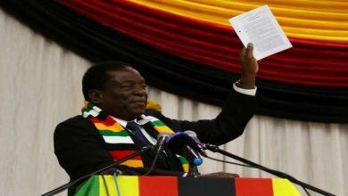 صورة انفجار يستهدف رئيس زيمبابوي خلال إلقائه كلمة