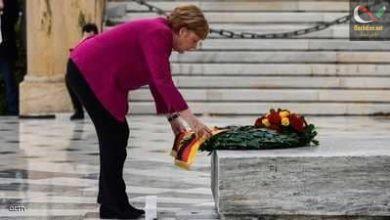 صورة ميركل: ألمانيا تتحمل مسؤولة الجرائم النازية باليونان