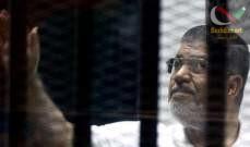 صورة دفن مرسي من دون مراسم تشييع فجرا والصحافة منعت من حضور الدفن
