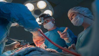صورة في مصر.. طبيب ينهي حياة مريض بطريقة غريبة
