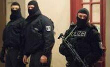 صورة الشرطة الالمانية توقف عدداً من الأشخاص بعد تهديدات بهجوم على كنيس